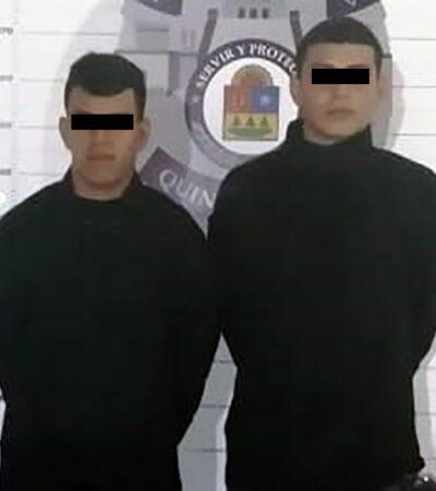 CAEN PRESUNTOS MIEMBROS DEL CJNG CON ARSENAL Y DROGAS: Detienen en Cancún a dos con lanza granadas y otras armas y gorras con leyendas del 'Grupo Delta' y 'Cártel Jalisco Mencho'