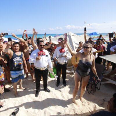 GALERÍA | ASÍ FUE LA TOMA DE PLAYA MAMITA'S: Cientos de personas reivindicaron su derecho a playas no privatizadas en Playa del Carmen