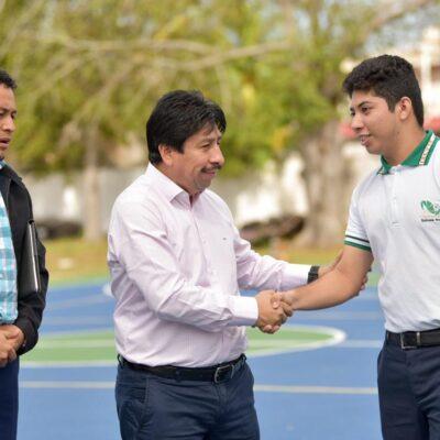 Ofrece Víctor Mas domo de usos múltiples y áreas culturales para estudiantes del CECYTE Tulum