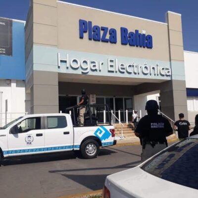 A punta de pistola asaltan a cliente de Bancomer en Chetumal