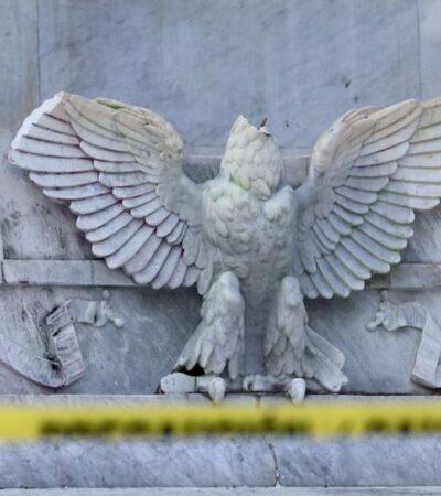 Darían hasta 10 años de prisión a joven por decapitar águila del Hemiciclo a Juárez