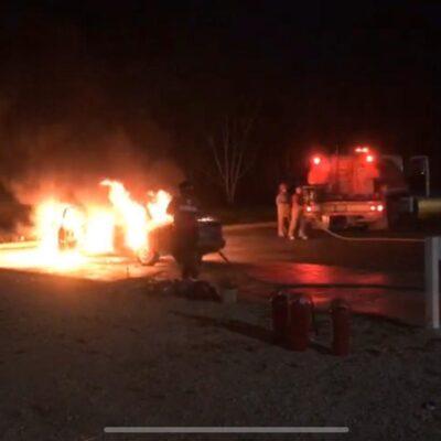 Se incendia vehículo en gasolinera de Felipe Carrillo Puerto