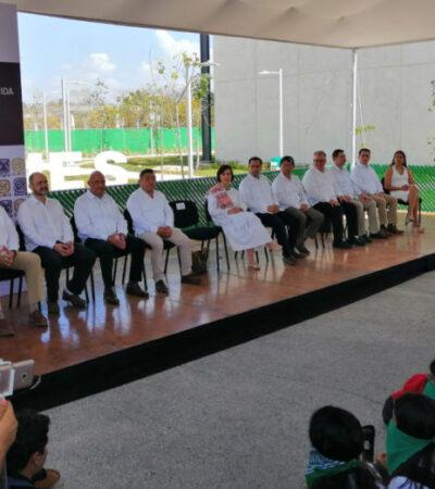 Protestan jóvenes feministas en silencio durante inauguración de instalaciones de la UNAM en Mérida