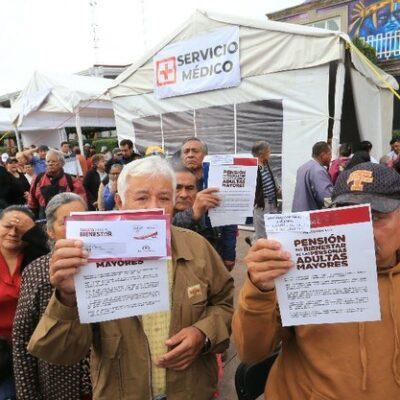 Mueve la 4T hasta 10 mil millones de pesos en efectivo para pensiones de adultos mayores