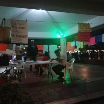 Cumple un mes el plantón contra remodelación del casco antiguo de Puerto Morelos y denuncian que la autoridad sigue sin dialogar con ellos