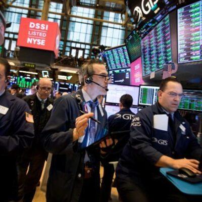 Sube Dow Jones un 11.3 % en su mayor ganancia porcentual en un día en casi 90 años