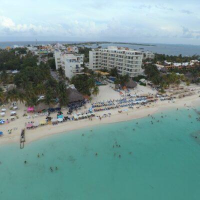 Con playas limpias y libres de sargazo Isla Mujeres recibirá a vacacionistas en Semana Santa