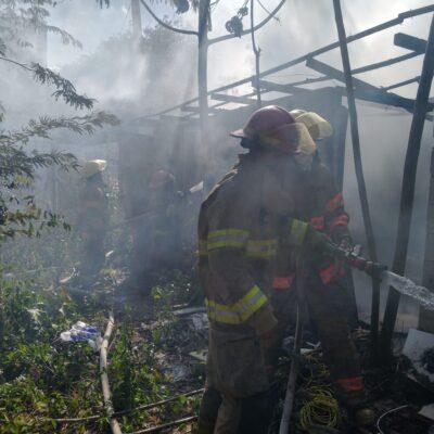Se incendia bodega en Tulum