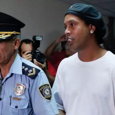 Recibe Ronaldinho seis meses de prisión preventiva en Paraguay por uso de pasaporte falso