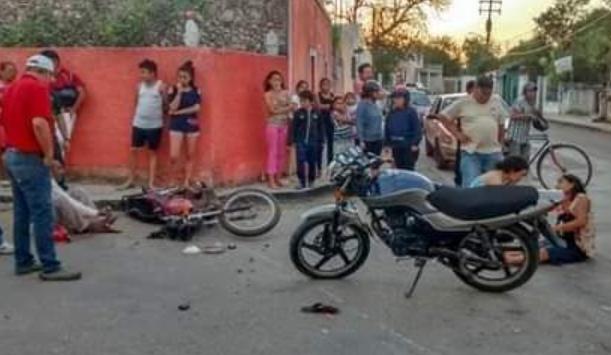 YUCATÁN | Tres lesionados tras choque de motos en Valladolid