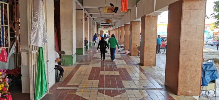 """Paro nacional """"Un día sin nosotras"""" representó pérdidas de 10 mdp para comercios de la zona sur de QR"""