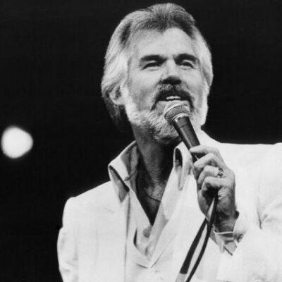 """""""MURIÓ PACÍFICAMENTE EN SU CASA DE CAUSAS NATURALES"""": A los 81 años, fallece el cantante de música country ganador del Grammy Kenny Rogers"""