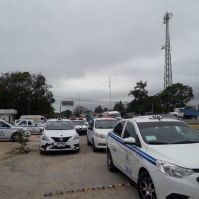 Protestan taxistas por cambio de señaléticas en calles de Bacalar