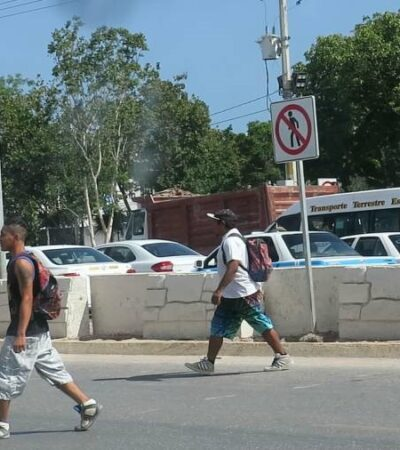 Peatones no respetan señaléticas, pasos peatonales, semáforos ni barreras instaladas en El Crucero, donde cada vez hay mayor número de accidentes viales