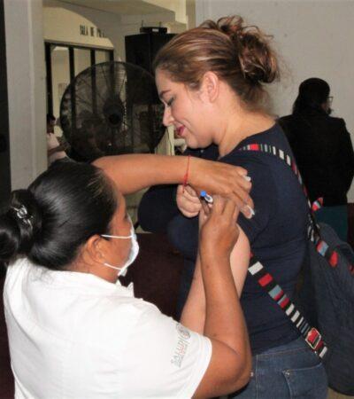 Asisten más de 300 cancunenses a vacunarse contra la Influenza por temor al Coronavirus