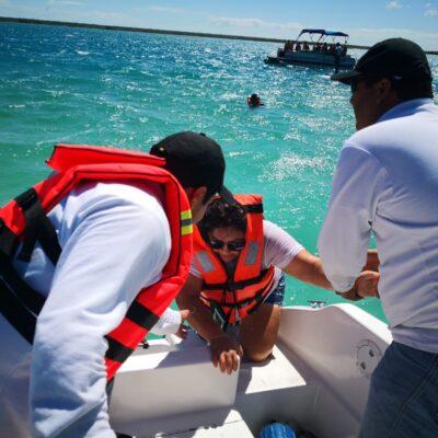 Naufraga lancha en Bacalar; rescatan a siete
