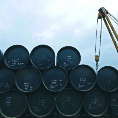 Petróleo mexicano frena caídas y sube 21.73%; mezcla queda en 17.70 dólares por barril