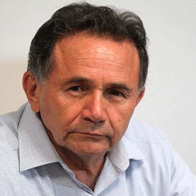 Rompeolas | Quiere 'yeidckolista' Dr. Pech la dirigencia de Morena en QR