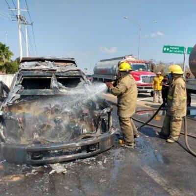 Fuego consume camión de valores en la Mérida-Tizimín