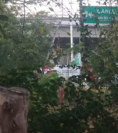 Cuelgan a un ejecutado en puente de Puerto Aventuras