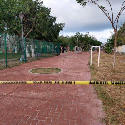 Ejecutan a un hombre y lesionan a otro en parque de la Región 236 de Cancún