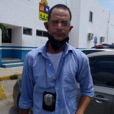 Detienen a sujeto que se hacía pasar por agente de la extinta PGR en Playa del Carmen