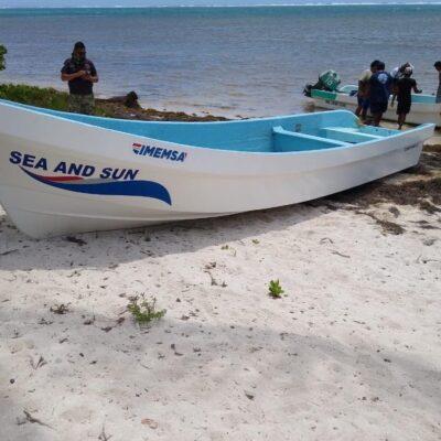 Rescata Marina a tres pescadores cerca de Xcalak