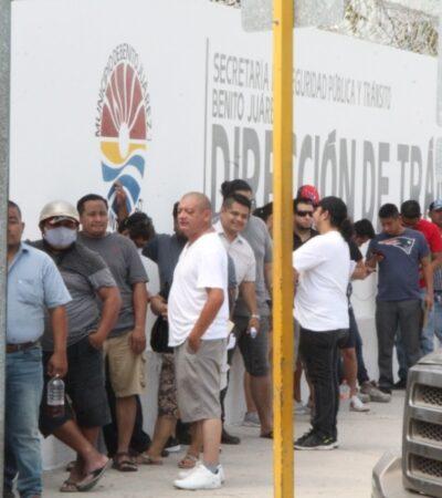 Restricción en bancos y oficinas de gobierno provocan aglomeración de personas afuera de sus instalaciones