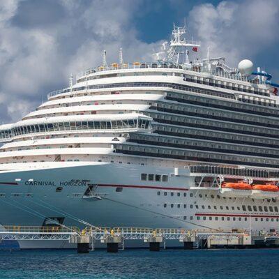 Ofrece la naviera Carnival utilizar sus cruceros como hospitales temporales en Cozumel