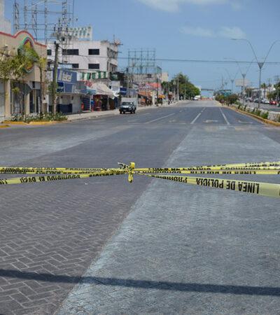 Policía cierra avenidas principales en Cancún para prevenir contagios de COVID-19