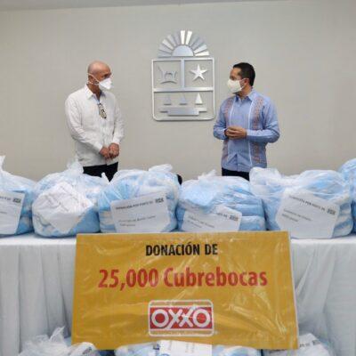 Recibe el gobernador Carlos Joaquín donativo de 25 mil cubrebocas para corporaciones policiacas de Quintana Roo
