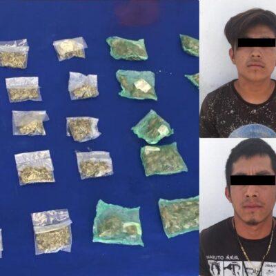 Detienen a dos jóvenes con drogas cerca de 'El Crucero' de Cancún
