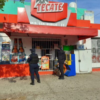 Asaltan con violencia dos negocios en Cancún; se llevan bebidas alcohólicas