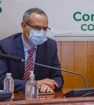 López-Gatell ya usa cubrebocas… esencial para la 'nueva normalidad'