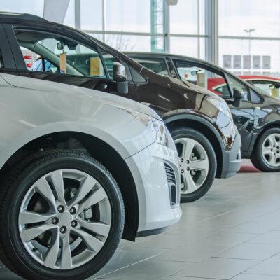 Venta de autos cae casi 65% en abril; el peor nivel en 14 años