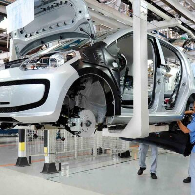 Industria automotriz se declara lista para reiniciar actividades en México