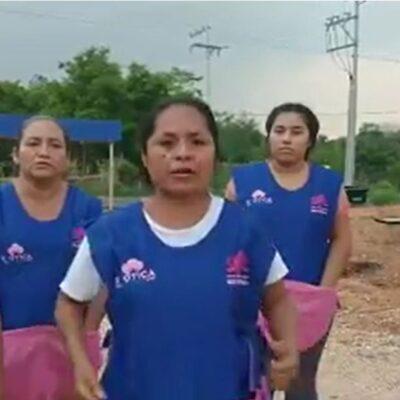 VIDEO | Costureras tabasqueñas increpan a AMLO por lío con CFE… 'Va a correr sangre', advierten
