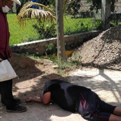 Muere en la calle hombre con síntomas de COVID-19; buscaba atención médica