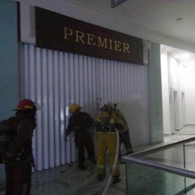 Se incendia joyería durante la madrugada en plaza comercial de Cancún