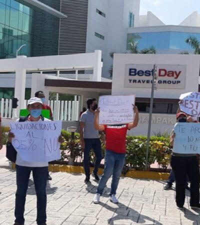 SIGUEN LAS PROTESTAS POR DESPIDOS EN BEST DAY: Acusan que empresa turística obligaba a trabajadores a laborar 14 horas seguidas y con descuentos salariales