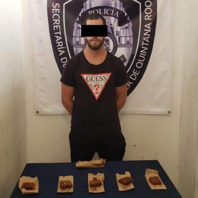 Detienen en Puerto Morelos a 'emprendedor' que vendía 'brownies' con derivados de marihuana