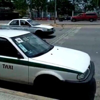 Taxistas implementan sitios provisionales afuera de supermercados en Cancún