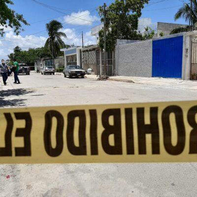 Le dispararon a un trabajador de Ayuntamiento de Cancún; los detienen
