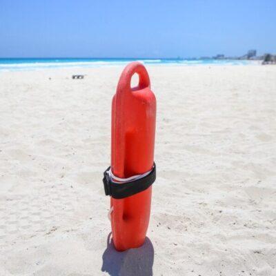 Playas continúan sin afluencia en Cancún durante esta contingencia