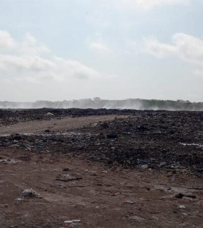 Intensifican trabajos para sofocar incendio en relleno sanitario de Chetumal