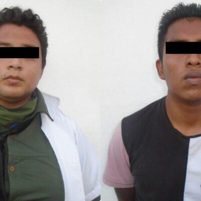Jóvenes menores de 25 años detenidos por asaltar una farmacia en Cancún