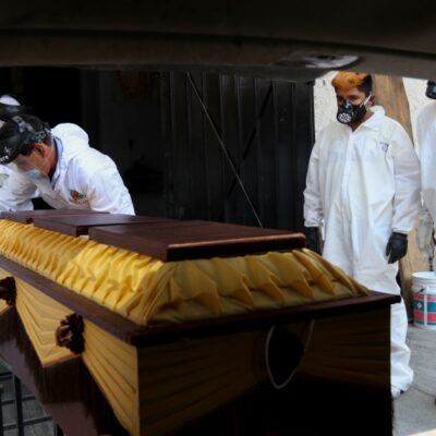 MÁS DE MIL MUERTOS: Récord de decesos y contagios de COVID-19 en día 3 de la 'nueva normalidad' en México