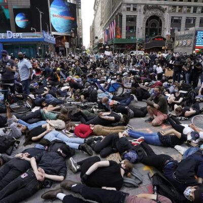 Nueva York vive su séptimo día de protestas pacíficas por muerte de George Floyd