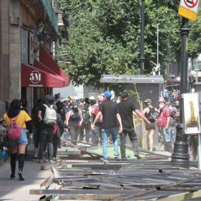 FOTOS | Encapuchados vandalizan todo a su a paso en la CDMX
