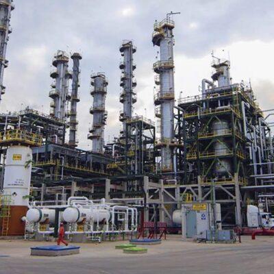 México rechaza extender reducción de producción petrolera